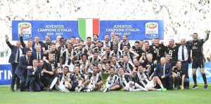 "Juventus' players celebrate the 2016-2017 Italian Serie A Championship (Italian ""Scudetto"") at the end of the Italian Serie A soccer match Juventus FC vs FC Crotone at the Juventus Stadium in Turin, Italy, 21 May 2017. ANSA/ALESSANDRO DI MARCO"