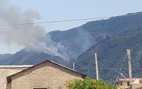 SCILLA, vasto incendio nel Vallone Condoleo