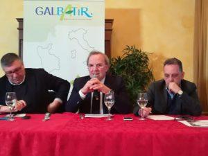 Il presidente del GAL BaTir, Antonio Alvaro durante la presentazione del Bando